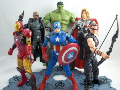 Review III: Hot Toys 1/6 scale Captain America 12-inch